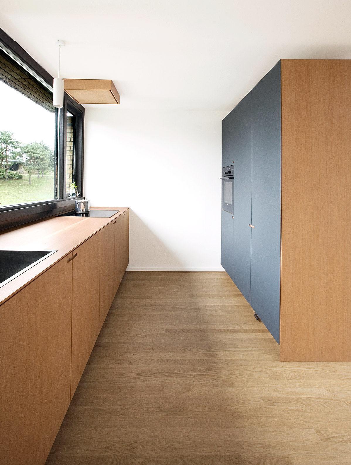 Snedkerkøkkenet Henrikshave - designet og produceret af Nicolaj Bo