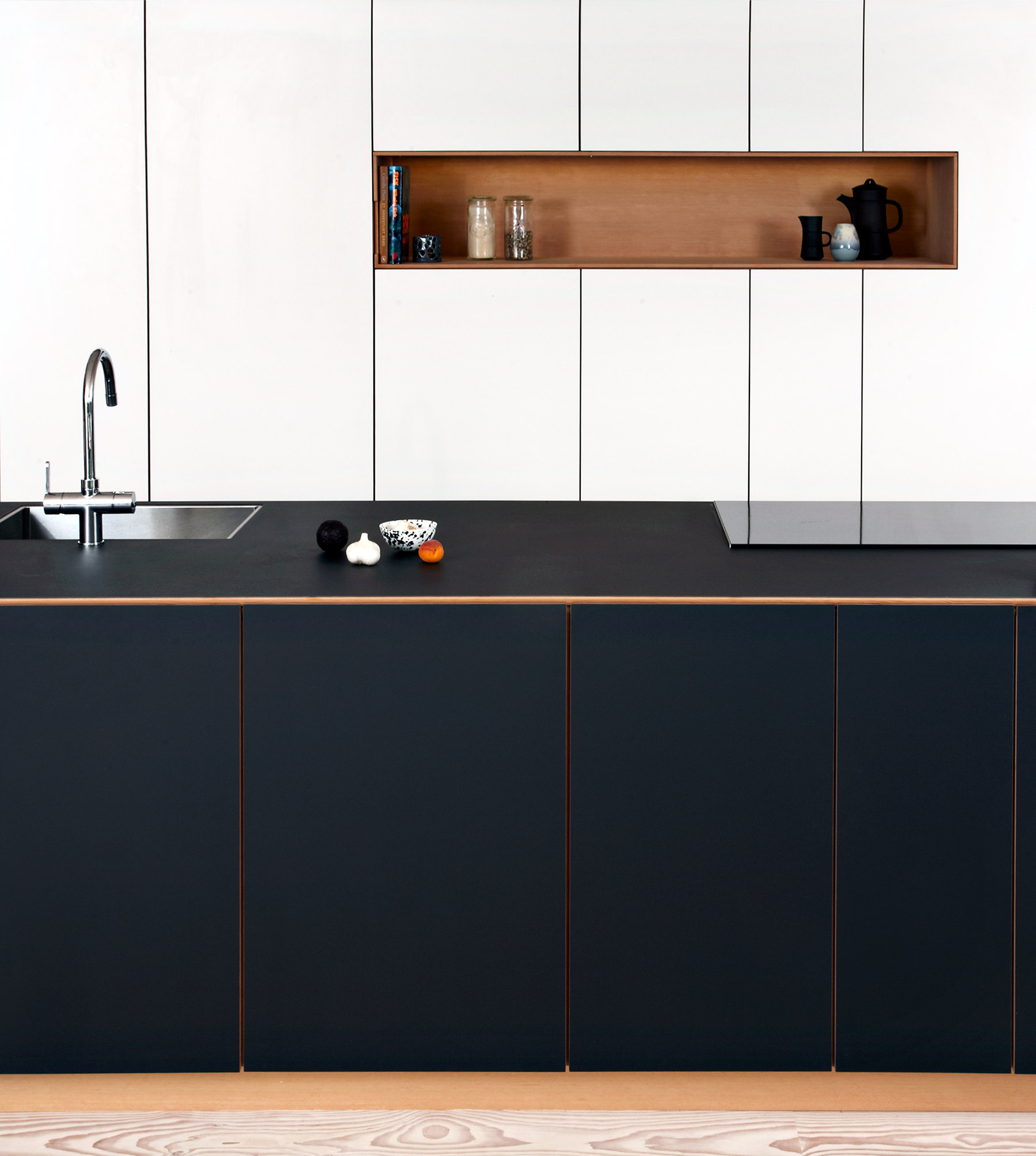 Minimalistic kitchen by Nicolaj Bo™