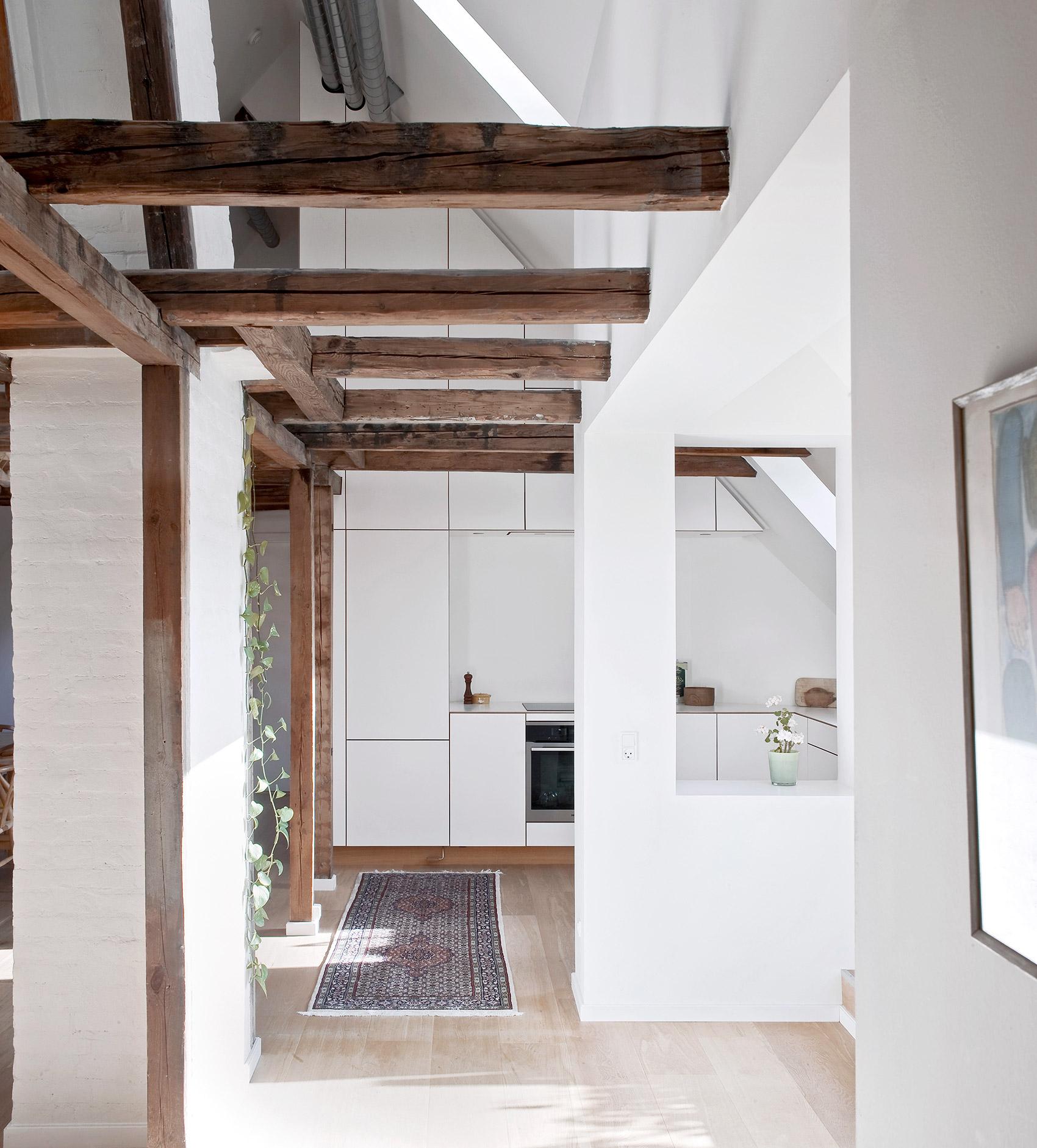 Bespoke oak wood kitchen - designet and produced by Nicolaj Bo™
