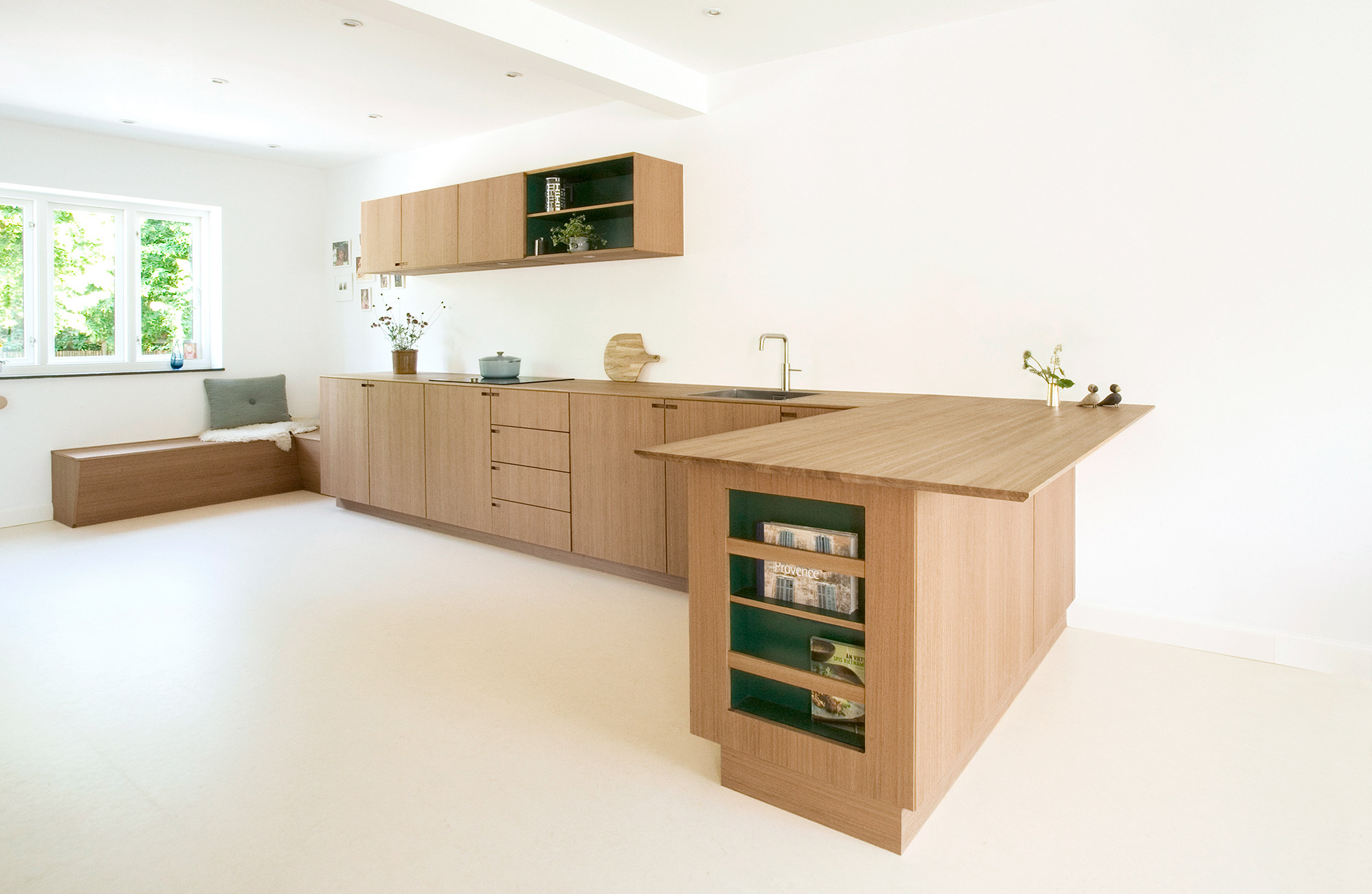 Minimalist oak wood kitchen by cabinet maker - Nicolaj Bo™