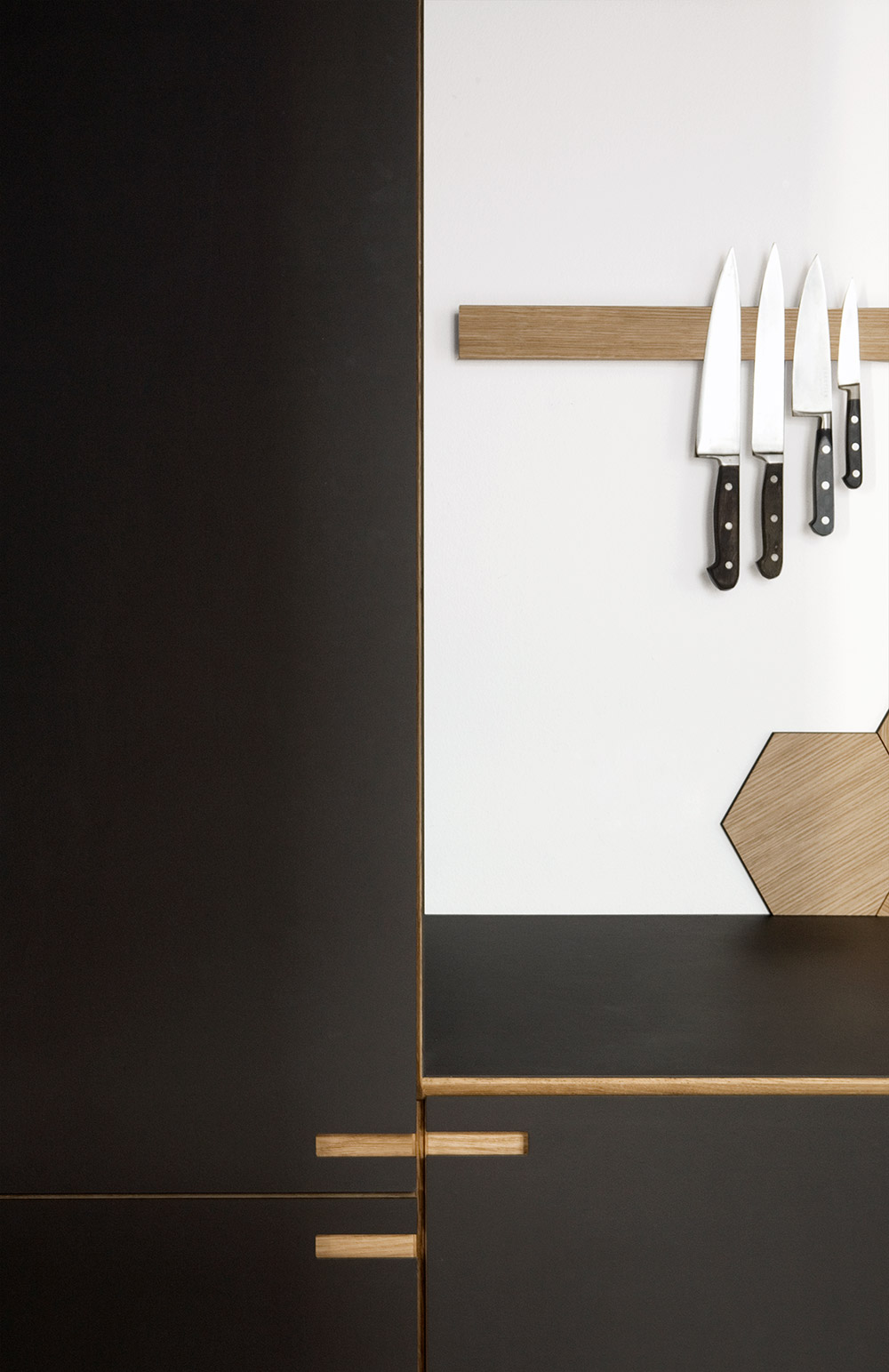 Scandinavian minimalist kitchen design. By cabinet maker Nicolaj Bo™