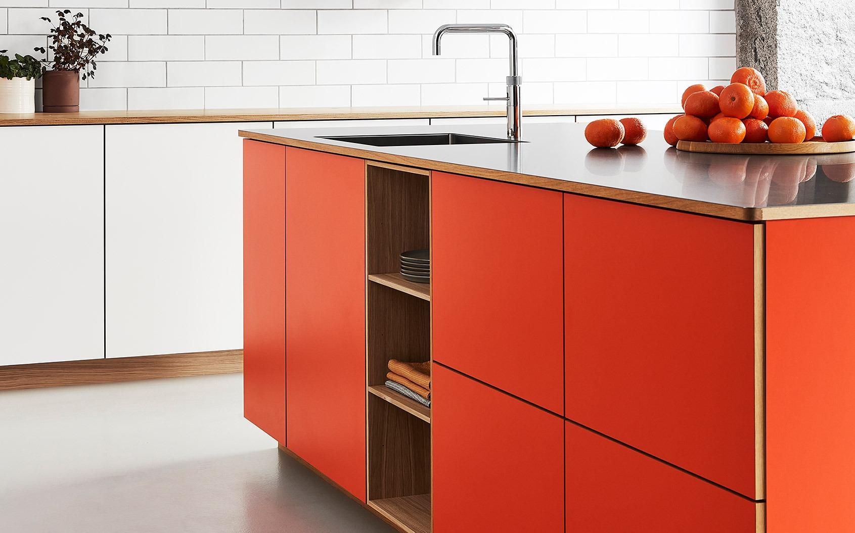 farvet køkken rød